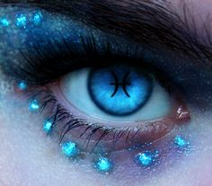 Illustrious Digital Art: Photo Manipulation Artworks of the Human Eye Pretty Eyes, Cool Eyes, Beautiful Eyes, Cool Contacts, Eye Contacts, Aesthetic Eyes, Pisces Woman, Pisces Girl, Crazy Eyes