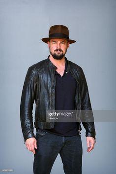 I think he's channeling his inner Indiana Jones Karl Urban Movies, Star Trek Reboot, Star Trek Cast, Urban Pictures, Dominic Cooper, Sexy Beard, Chris Pine, Warrior Princess, Hot Guys
