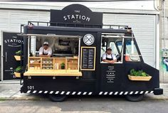 New Food Truck Hot Dog Recipes IdeasYou can find Food truck design and more on our website.New Food Truck Hot Dog Recipes Ideas Empanadas, Kombi Food Truck, Taco Food Truck, Food Truck Menu, Foodtrucks Ideas, Coffee Food Truck, Coffee Trailer, Food Truck Wedding, Mobile Food Trucks