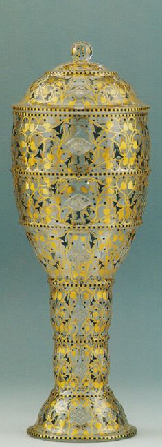 Hans Bolek um 1913 for Loetz Bohemia Glass, Gustav Klimt, Czech Glass, Art Nouveau, Glass Art, Om, Porcelain, Bohemian, Pottery