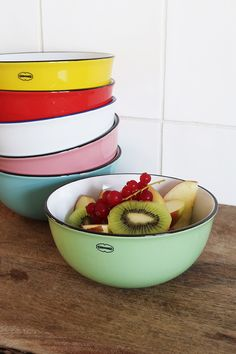 Cereal Bowl from Cabanaz. Made from foodgrade ceramics. here in Vintage Green colour Cereal Bowls, Vintage Green, Food Grade, Green Colors, Home Accessories, Colour, Ceramics, Tableware, Collection