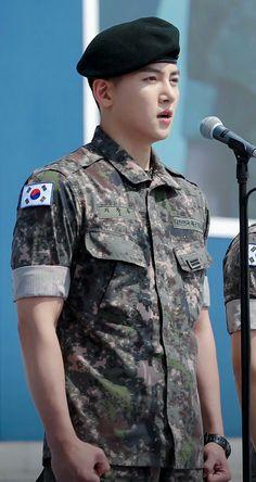Ji Chang Wook at The Korean Memorial Day Ceremony. Ji Chang Wook Smile, Ji Chang Wook Healer, Ji Chan Wook, Korean Star, Korean Men, Drama Korea, Korean Drama, Asian Actors, Korean Actors