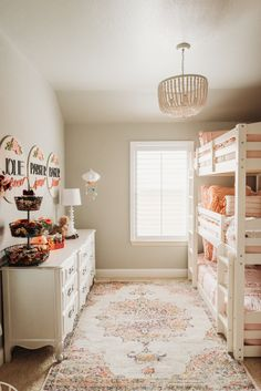 Gorgeous Shared Room Decor and Design Inspiration Shared Bedrooms, Teen Girl Bedrooms, Big Girl Rooms, Kids Rooms, Boy Rooms, Room Kids, Shared Room Girls, Modern Girls Rooms, Sister Room