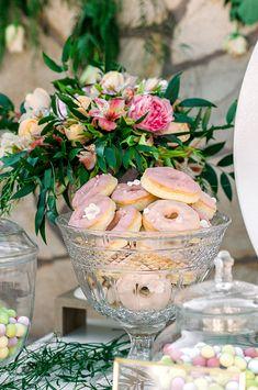 Παραμυθένια κοριτσίστικη βάπτιση με θέμα floral blossom - EverAfter Fairy Tales, Girly, Baby Shower, Table Decorations, Baptisms, Floral, Flowers, Wedding, Shower Ideas
