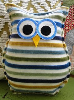 Going to make some of these with some spare fabric I need to use up. Cute for kids!