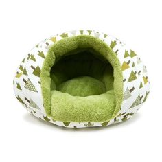 An enchanting small dog bed with modern style. Small dogs love to cuddle in the Burger Bed. It is soft, cozy, and gives a sense of security unlike any other beds. - Chic design - Super soft & cozy - S