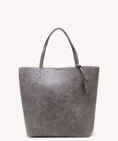 The Nuddo Tote Vegan Tote from Sole Society. Shop our new arrivals today and get off your first purchase! Olive Skinny Jeans, Carry On Tote, Ankle Boots With Jeans, Vegan Handbags, Vegan Leather, Tote Bag, Purses, Vacation Packing, Packing Tips