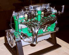 DUSENBERG SJ - gorgeous inline-8, DOHC, 4 valves per cylinder - from the 1930s.
