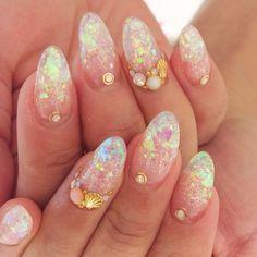 Jillandlovers golden shinning sea nails