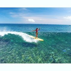 Longboarding over crystal clear water! Longboarding over crystal clear water! Longboarding, Wakeboarding, Soul Surfer, Sup Surf, Waves, Windsurfing, Surf Style, Surf Girls, Photos