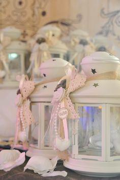 Lanterne Ikea adornate in stile Shabby Chic fiori feltro e cuori in gesso