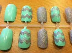 Hey, I found this really awesome Etsy listing at http://www.etsy.com/listing/161506547/mint-sparkle-chevron-fake-nails