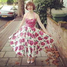 It's my birthday!!! Woo yeah! Wearing a rose print Horrockses from the 1950s and Boden shoes. #wiwt #ootd #roses #horrockses #boden #printaddict #printoftheday #vintage #vintage50s #vintagedress #truevintageootd #instatruevintage
