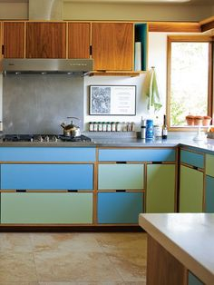 Whether you're remodeling your kitchen or your just want to grab some inspiration for the home you hope to move into one day, we've got some unique ideas to grab from today. These 60 Lovely Painted Kitchen Cabinets Two Tone . 60s Kitchen, Green Kitchen Cabinets, Kitchen Cabinet Colors, Painting Kitchen Cabinets, Kitchen Paint, Kitchen Colors, Kitchen Decor, Pastel Kitchen, Wood Cabinets