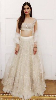 White lehenga - All About Indian Bridal Outfits, Indian Designer Outfits, Indian Dresses, Lehenga Choli Designs, Indian Lehenga, Lehenga White, Shaadi Lehenga, Indie Mode, Lehnga Dress