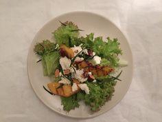 Roasted peach, goatcheese salade