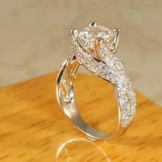 oh, how lovely!!!! Engagement ring