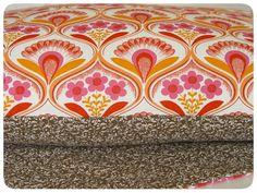 kussenhoes retro bloemen - roze - Aunties attic - Studio Zeepsop