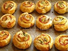 Pastry Recipes, Cooking Recipes, Beignets, Jacque Pepin, Romanian Food, Food Videos, Good Food, Food And Drink, Appetizers