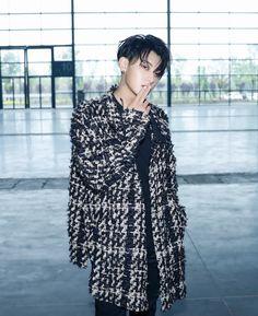 Kyungsoo, Chanyeol, Exo 12, Tao Exo, Huang Zi Tao, Kris Wu, Idol, Photo And Video, Instagram