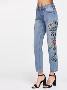 pants170405201_2 Ankle Jeans, Floral Embroidery, Lucky Brand, Mom Jeans, Urban Outfitters, Capri Pants, Style Inspiration, 3d Modeling, Clothes