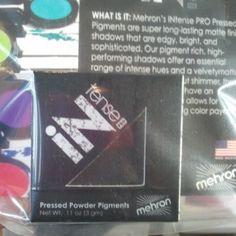 .@pumps_and_gloss (Pumps and Gloss) 's Instagram photos | Webstagram - #tmschicago Mehron intense eye shadow