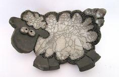 Bol de plateau de moutons en céramique Raku par ArtigianatoRaku