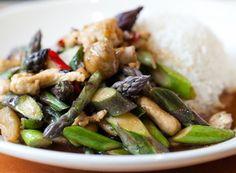 Greens Restaurant, Organic Recipes, Ethnic Recipes, Shrimp And Asparagus, Free Chickens, Big Bowl, Chicago Restaurants, Kitchen Hacks, Seafood