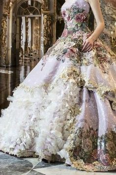 Printed wedding dress. Wowsa!