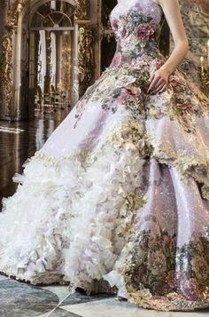 Printed wedding dress. Wowsa!