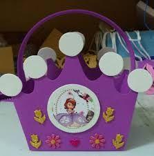 Resultado de imagen para cotillones de princesas en forma de castillo