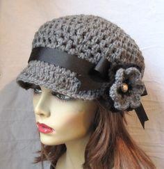 Womens Hat Newsboy Gray Crochet Black Pearl por JadeExpressions