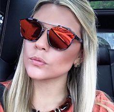 @thaismorbeck DIVANDO com seu #Dior #Abstract. Quem já colocou o modelo na lista de desejos? #qualita #oticaswanny #diorabstract #blogger #linda #sunglasses #regram