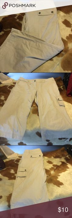 Liz & Co khaki capris This is a pair of good condition Liz and co khaki cargo capris with drawstring at bottom.  They are size 16 Liz Claiborne Pants Capris