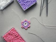 DIY guide: Beaded Pearl Earrings | Diverse | Fashionpolish Diy Jewellery, Jewlery, September Festivals, Diy Crochet, Bead Weaving, Creativity, Pearl Earrings, Homemade, Beads
