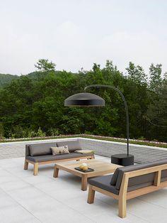 Heatsail Disc By Piet Boon - Ernst Baas Tuininrichting Outdoor Rooms, Outdoor Furniture, Outdoor Decor, Apartment Balconies, Garden Lamps, Patio Heater, Garden Architecture, Beer Garden, Patio Design
