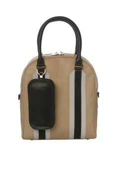 Arthemis Vault bag - fits laptop, a pair of shoes and all your everyday needs - I like it!