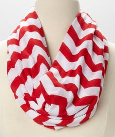 Look what I found on Red & White Zigzag Infinity Scarf All Things Cute, Red Things, Girl Things, Types Of Hats, Red And White Quilts, Neck Choker, Scarf Design, Pretty Outfits, Pretty Clothes