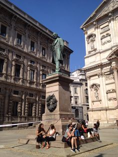 Alessandro Manzoni statue in Milan
