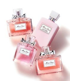 Miss Dior Eau de Parfum Spray Dior Perfume, Perfume Scents, Best Perfume, Fragrance Parfum, Perfume Bottles, Miss Dior, Perfume Tommy Girl, Makeup Ideas, Gifts