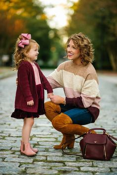 Fashion Scarves For Toddlers Mom And Baby Outfits, Mother Daughter Matching Outfits, Family Photo Outfits, Little Girl Outfits, Little Girl Fashion, Outfits Niños, Fall Fashion Outfits, Fashion Kids, Toddler Fashion