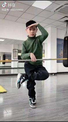 Martial Arts Moves, Self Defense Martial Arts, Martial Arts Workout, Martial Arts Training, Martial Arts Techniques, Self Defense Techniques, Fighter Workout, Self Defense Moves, Bo Staff