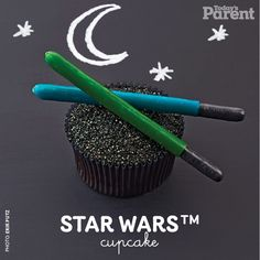 Make this futuristic Star Wars™ cupcake for your young Padawans!