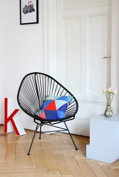 k with Acapulco Chair at philuko