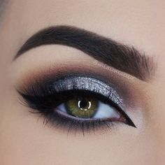 Eye Makeup Tips.Smokey Eye Makeup Tips - For a Catchy and Impressive Look Makeup Goals, Love Makeup, Makeup Inspo, Makeup Inspiration, Beauty Makeup, Hair Makeup, Grey Makeup, Makeup For Grey Dress, Black And Silver Eye Makeup