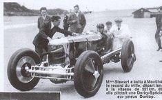 Gwenda_Stewart-car.jpg (599×370)