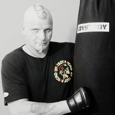"""www.dystroy.com Dystroy #sparring mit Detlef aus Salzgitter. Unser DYSTROY """"Berlin"""" Shirt in action.... come and get some !"""