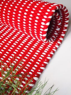 Lystikäs koti: 5. joulukuuta Rug Inspiration, Tear, Bath Rugs, Scandinavian Style, Pattern Design, Christmas Crafts, Craft Projects, Area Rugs, Weaving