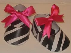 10 Zebra Print and Hot Pink Bow / Paper Shoe Favor Boxes. $15.00, via Etsy.