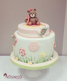 Sweet teddy birthday cake by Naike Lanza